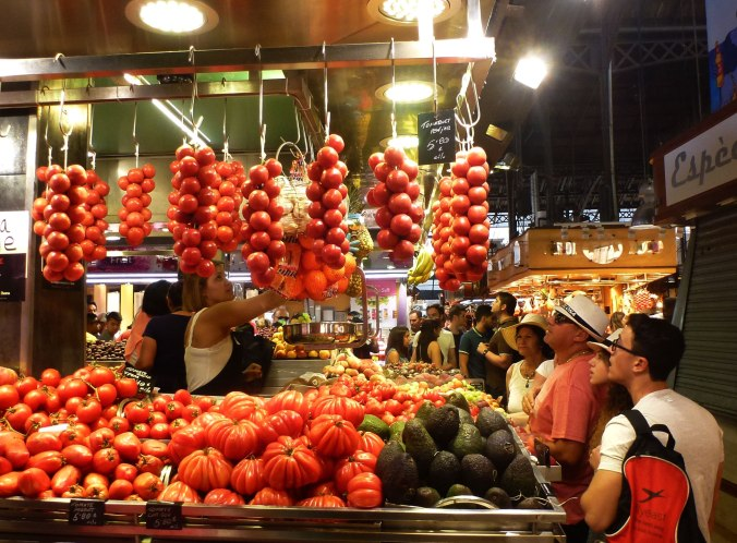 Among the many types of tomatoes one can find in the market, there's the Montserrat one, Catalonia's heritage tomato, named after the holy mountain of Catalonia and Our Lady of Montserrat, patroness of the region where it has been grown for generations in El Vallès. Considered one of the prettiest tomatoes, the Montserrat's flawless, undulating form seems carved from red wax while slices of its sweet, juicy flesh have a floral design. Perfect for stuffing and baking, the Montserrat is also delicious in salads with Figueres onions and white beans, drizzled with extra virgin olive oil.