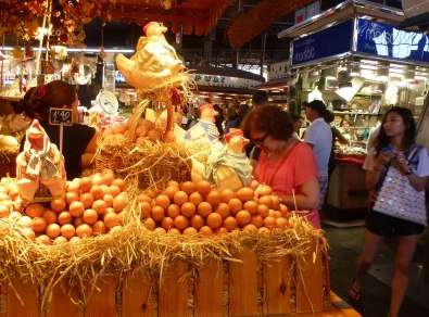 There are several places in the market selling local farms' organic and tasty eggs - hen as well as quail and oyster.