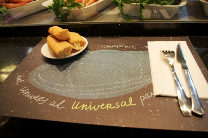 """The line of this food bar is """"from the Universe to Universal"""" passing through la Boqueria de Barcelona. Pretty nice."""