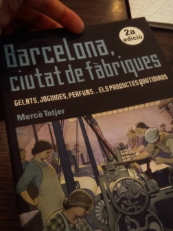 You can look through a book, while having your coffee at this library. And there are a lot of books that might get your attention and, even if you are not fluent in Catalan or Spanish, you can always take a look.