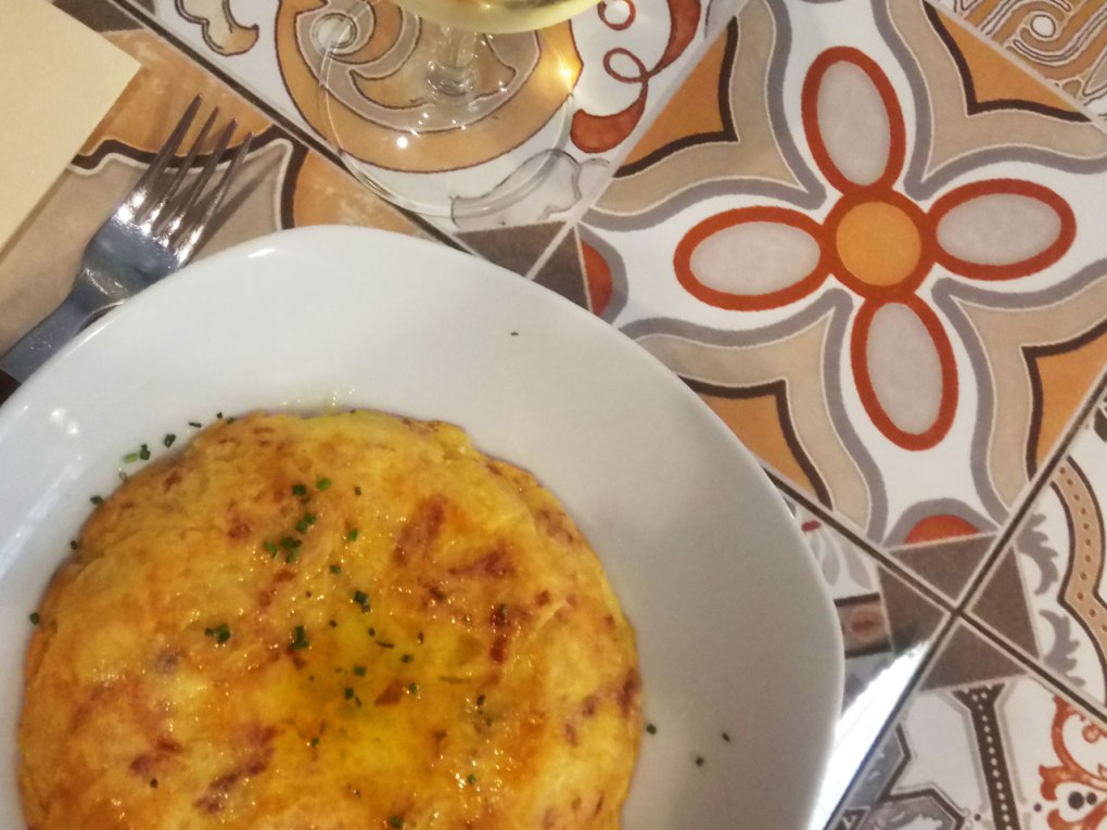 Tortilla de patatas con jamon iberico - at Parlament restaurant, Barcelona