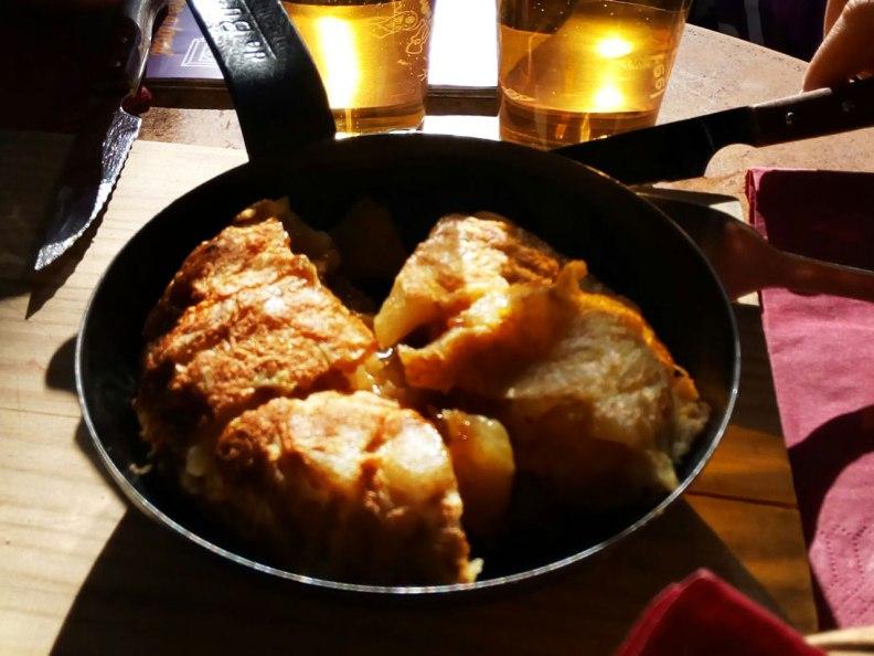 Tortilla de patatas at El Viajero, Madrid