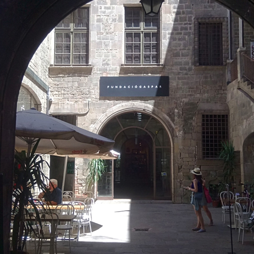 This is how the patio looks like as seen from the street. The cafe is on the left side.