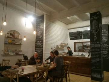 Petit-Brot-Interior-Bar