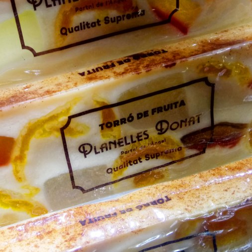 Planelles Donat is a family business dedicated to the production and sales of turróns, sweets, ice-creams and horchatas in the centre of Barcelona. In 2014, Planelles Donat was recognised as an emblematic landmark of the city of Barcelona. They started the business in 1854.