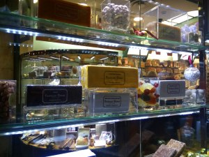 Planelles Donat Shop Window
