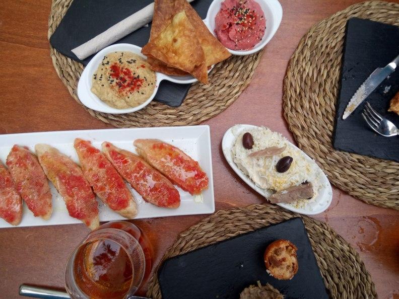 Catacroquet restaurant hummus croquettes pa amb tomaquet ensaladilla rusa