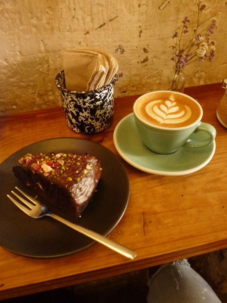 Espai Joliu cafe specialty coffee and homemade dessert