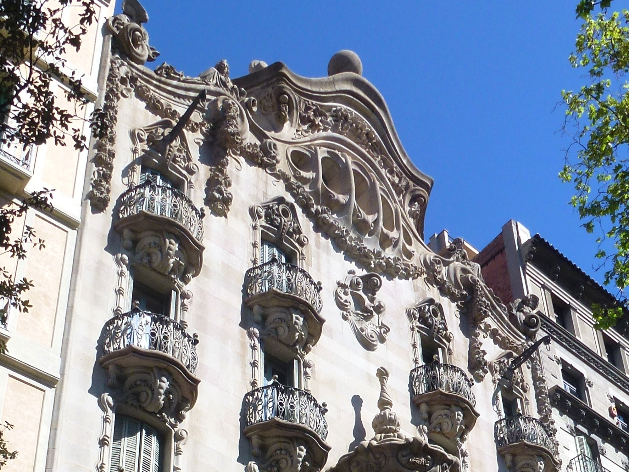 10-modernist-buildings-thetasteofbarcelona