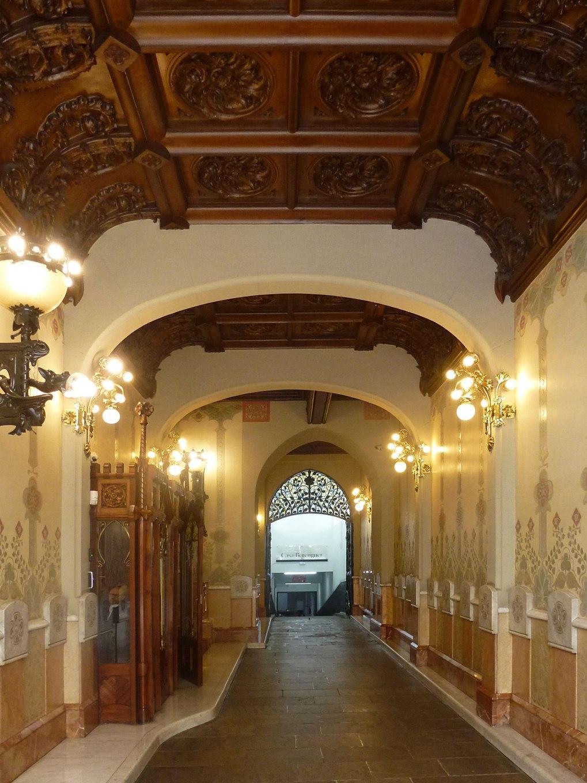 casa-berenguer-rutesdebarcelona-hall-view