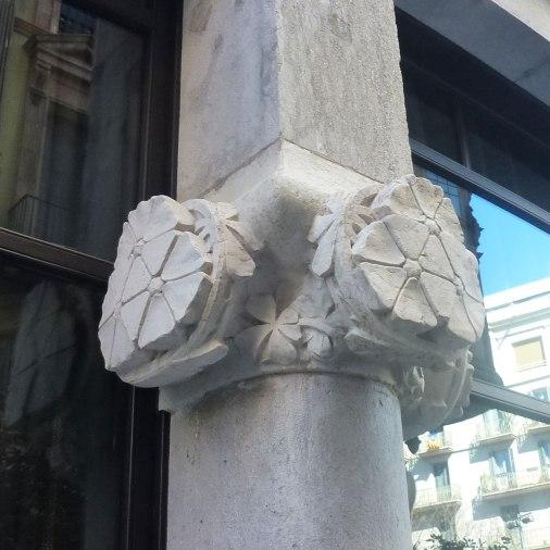 casa-fuster-thetasteofbarcelona-capitel-model
