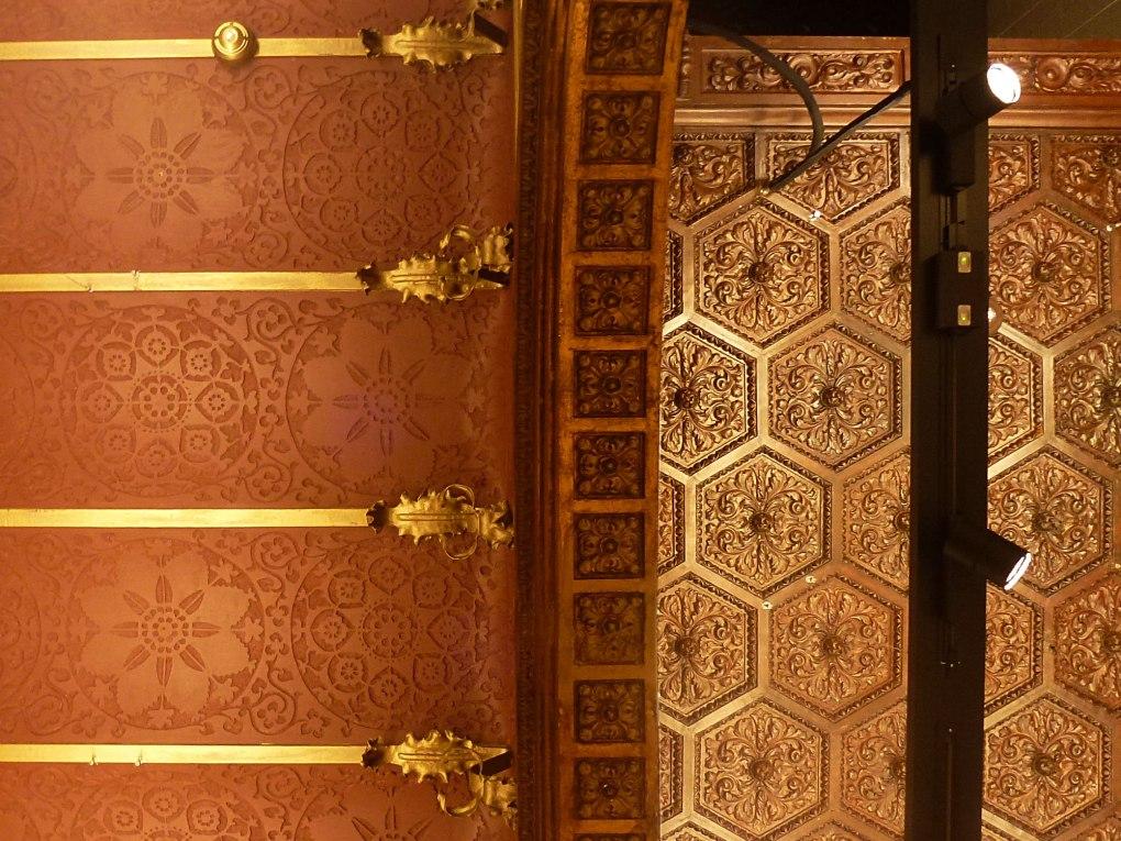 casa-ramon-casas-thetasteofbarcelona-massimo-dutti-ceiling-central