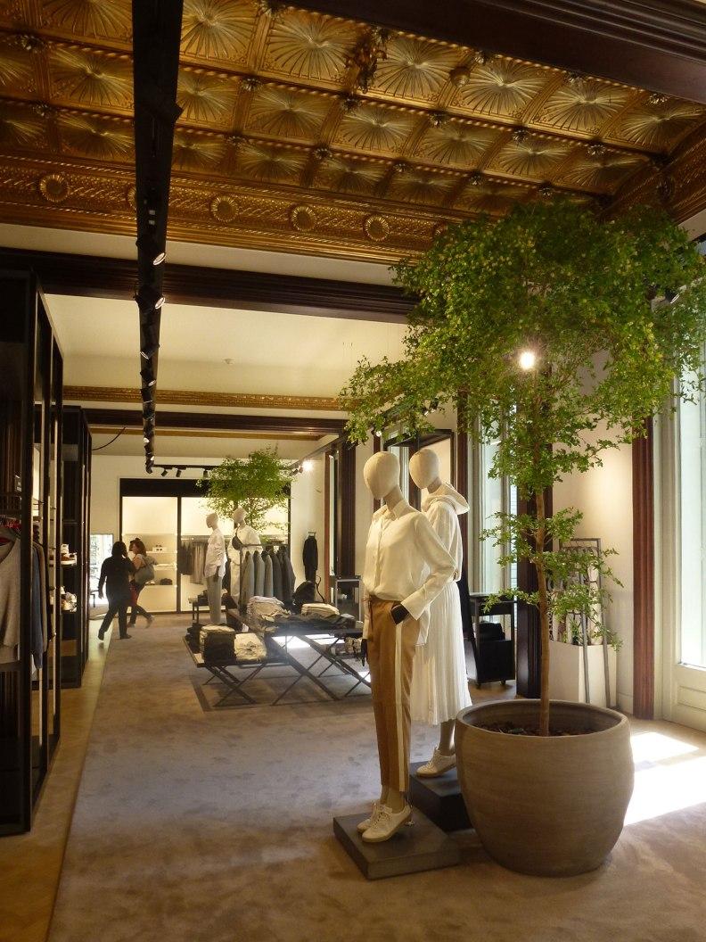 casa-ramon-casas-thetasteofbarcelona-massimo-dutti-store-first-floor