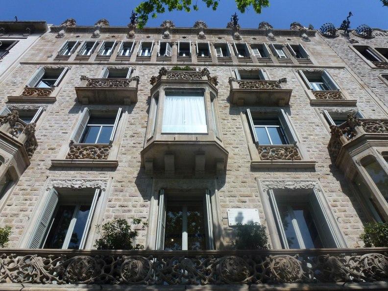 casa-ramon-casas-thetasteofbarcelona-passeigdegracia-facade-up