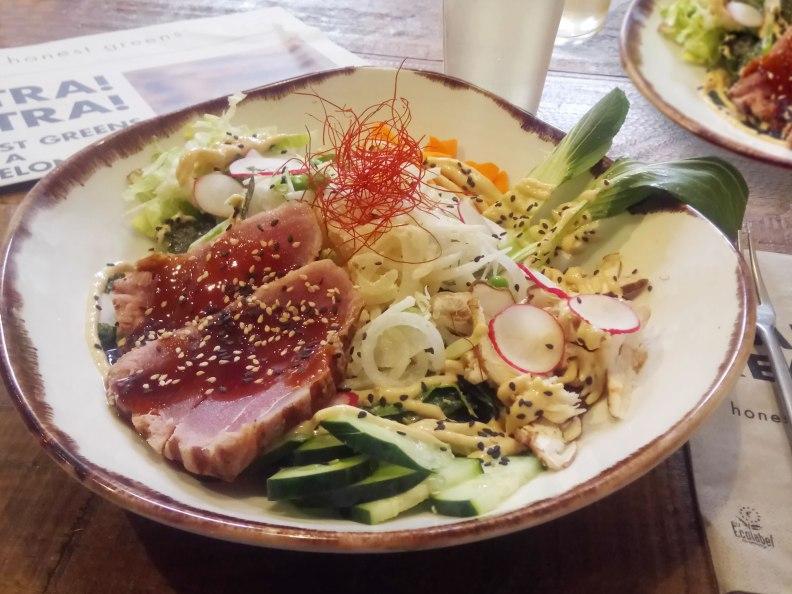 Umami salad with tuna tartare at Honest Greens restaurant