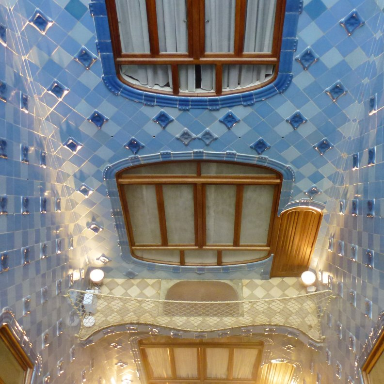 Casa Batlló interior patio looking down