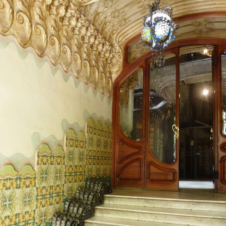 Casa Francesc Cama entrance hall