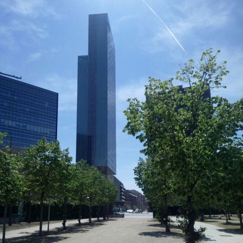 Jean Nouvel Parc del Poblenou alley continuing Carrer Pere IV