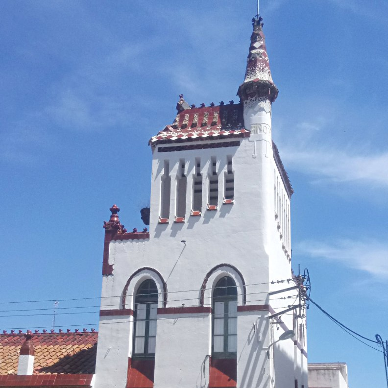 Sant Pol de Mar School Modernist design